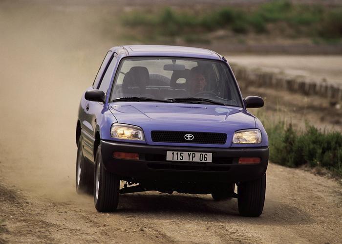 Toyota RAV4 I generacja