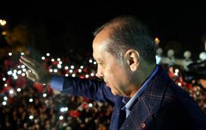 Turkey holds constitutional referendum