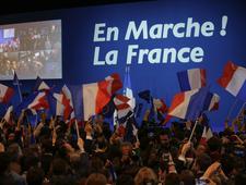 """""""Trzęsienie ziemi"""". Media o I turze wyborów prezydenckich we Francji"""