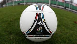 Test Tango 12 - oficjalnej piłki Euro 2012