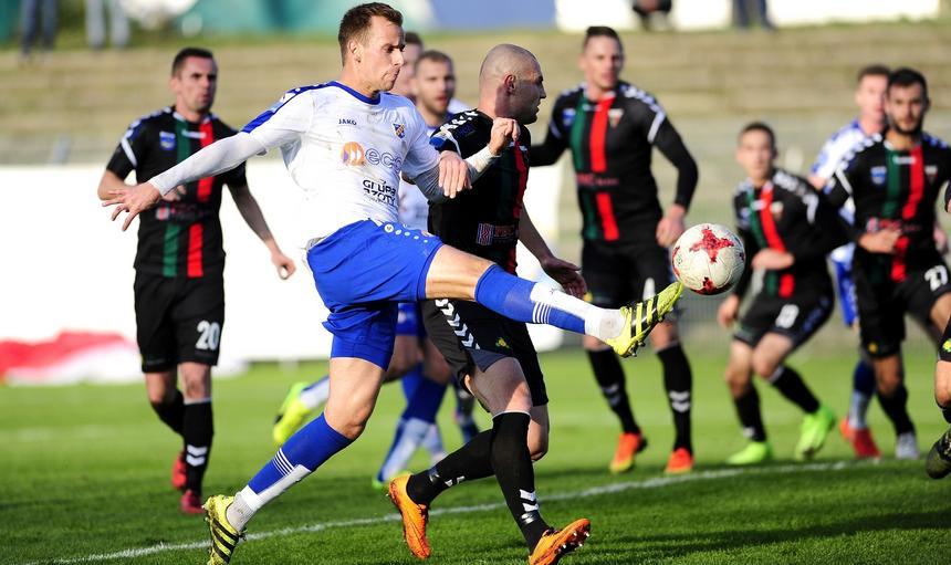 Pilka nozna. Nice I liga. Odra Opole - GKS Tychy. 04.11.2017