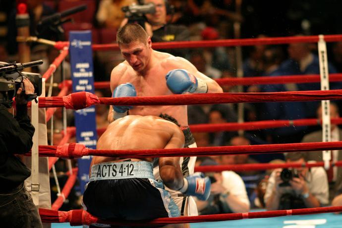 Gołota w walce z Chrisem Byrdem w Madison Square Garden w Nowym Jorku w 2004 roku