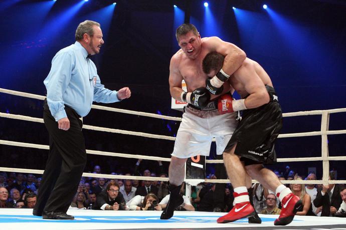 Starcie polskich pięściarzy Tomasza Adamka i Andrzeja Gołoty podczas Polsat Boxing Night w Łodzi w 2009 roku