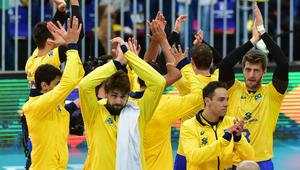 Brazil team during match against Canada by the World Volleyball League at the Atletico Paranaense football stadium.
