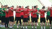Piłkarze Legii oddali hołd powstańcom. Godzina W na treningu
