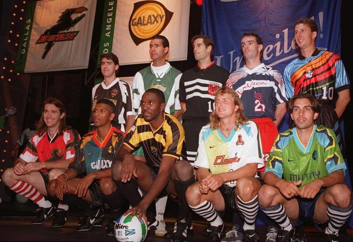 Zdjęcie promocyjne MLS z 1996 roku