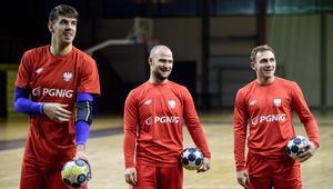 Piotr Chrapkowski (1 z lewej)
