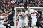 Zwycięstwo Bayernu w Stuttgarcie. Grali Lewandowski i Kamiński