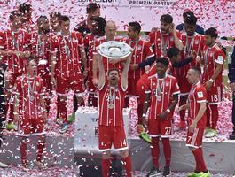 Wielka radość w morzu piwa. Tak świętował Bayern Monachium!