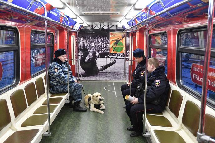 W Moskwie policja jest wszędzie – zapewnienie bezpieczeństwa to priorytet organizatorów