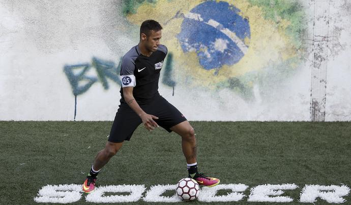 Podczas finałów w Instytucie najlepsi zawodnicy z całego świata mogą zagrać z Neymarem.