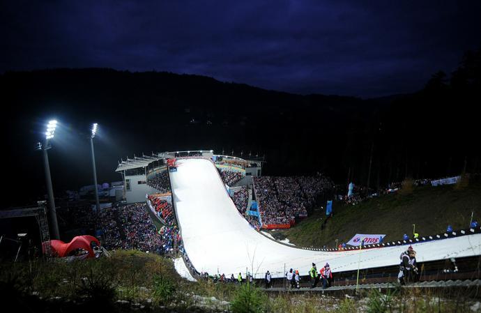 Skoczni narciarskiej w Wiśle nie musimy się wstydzić przed światem. Do szkolenia młodzieży potrzebne są jeszcze mniejsze obiekty.