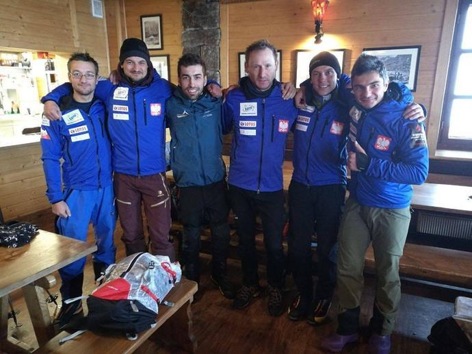Część wspinaczy kilkanaście dni przed wylotem do Karakorum odbyła treningi w Tatrach pod okiem Karola Henninga (trzeci od lewej), który odpowiada za ich przygotowanie