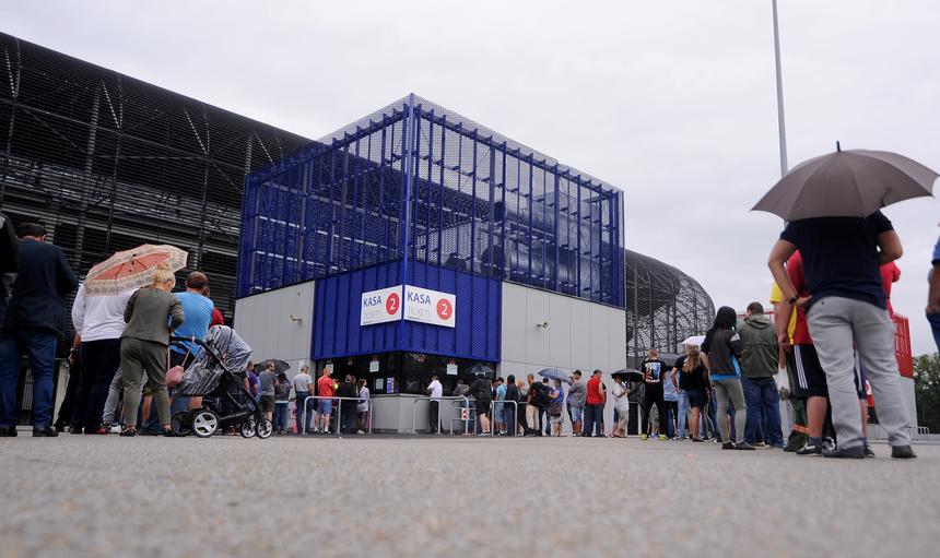 Ogromne zainteresowanie kibicow meczem Gornik Zabrze - Legia Warszawa