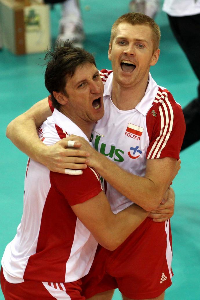 Wielka radość Piotra Gruszki i Pawła Zagumnego po finale Polska – Francja w mistrzostwach Europy 2009 w Stambule