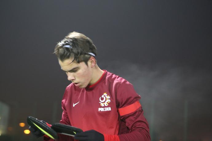 Javier Ajenjo Hyjek podczas debiutu w meczu towarzyskim z Pogonią Szczecin (4:0). 16-latek asystował przy pierwszym golu