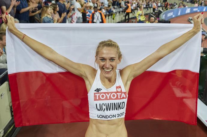 Trener, a potem mąż zawodniczki, Michał Lićwinko sprawił, że Kamila zaczęła zdobywać medale na zawodach rangi mistrzostw świata. W Londynie wywalczyła brąz.