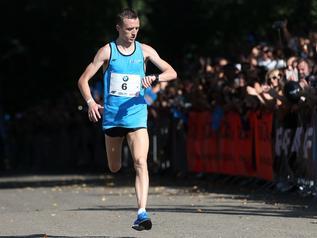 Pogonił pacemakera i wygrał bieg