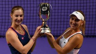 Rosyjskie tenisistki Jekaterina Makarowa i Jelena Wiesnina wygrały deblową rywalizację w kończącym sezon turnieju masters - WTA Finals.