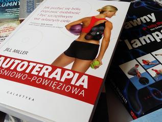 """Książka z wyższej półki: """"Autoterapia mięśniowo-powięziowa"""""""