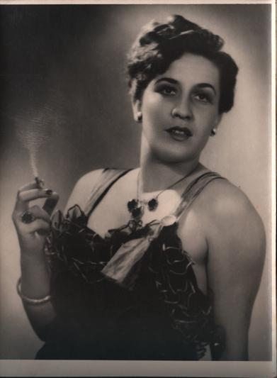 """Legendarna Radmila Savičević u predstavi """"Porodica Blo"""" iz 1952.godine"""