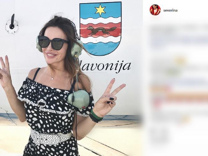 Seve nosi letnju haljinicu IZ SNOVA: Košta skoro kao dve srpske plate, a zbog OVE DVE STVARI svima dobro stoji!