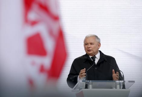 Jaroslav Kačinjski je uspostavio apsolutnu vlast u Poljskoj, iako nema zvaničnu državnu funkciju