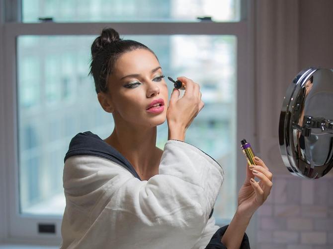 Lima objavila sliku koju niko nije OČEKIVAO? Brazilska lepotica osvanula U NJEGOVOM ZAGRLJAJU!