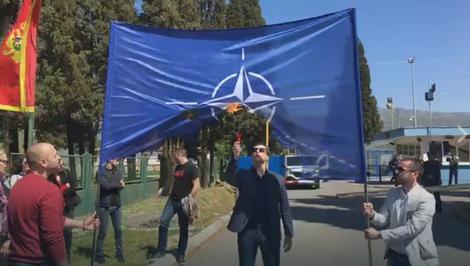 %name Има ли краја фукарлуку: Дарко Гојачанин тврди да га је узнемирило паљење НАТО заставе