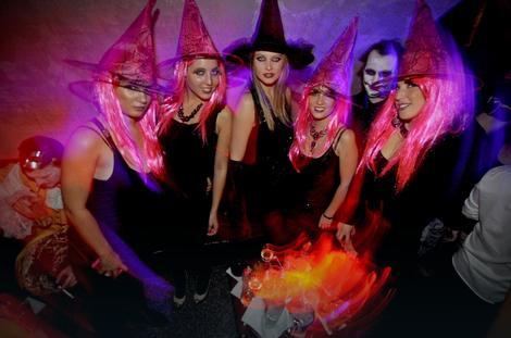 Halloween  ( Noć veštica) - Page 13 -paktkpTURBXy80MDNkZTRjYjE5NzYxOTcyM2MzZjQ2OTIwMzc2OTRkNC5qcGeTlQLNAxQAwsOVAs0B1gDCw5UH2TIvcHVsc2Ntcy9NREFfLzFkNzRjYjQxNzA1OTUwNDM2NjI5Y2FiZDYwNmY1MGY2LnBuZwfCAA