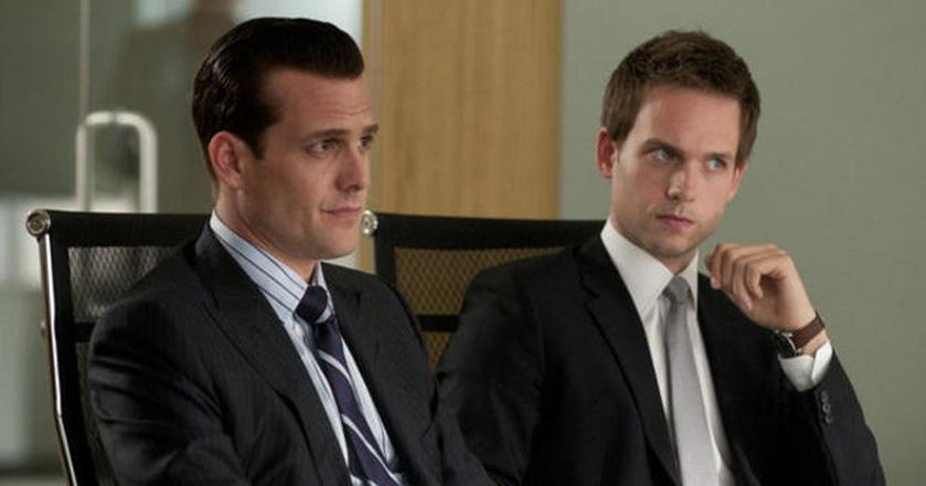 "Harvey Specter i Mike Ross w serialu ""W garniturach"""
