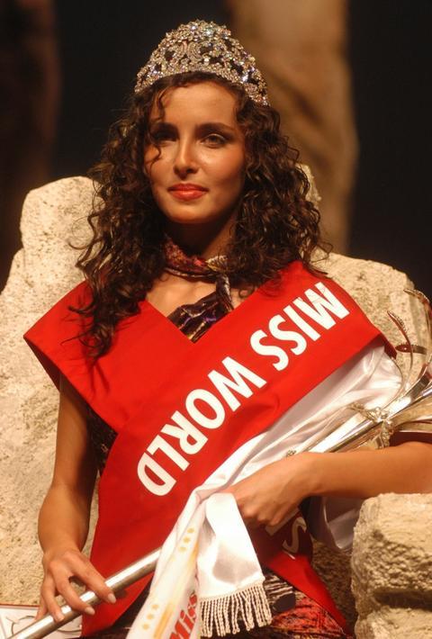 Bila je poslednja mis Jugosalavije, a danas živi u Emiratima i izgleda ovako!