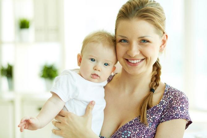 Najmlađa majka u Srbiji je devojčica koja se porodila jedanaest i po godina