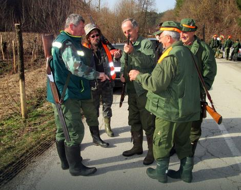 Lovci iz sela Paskovac proveravaju puške