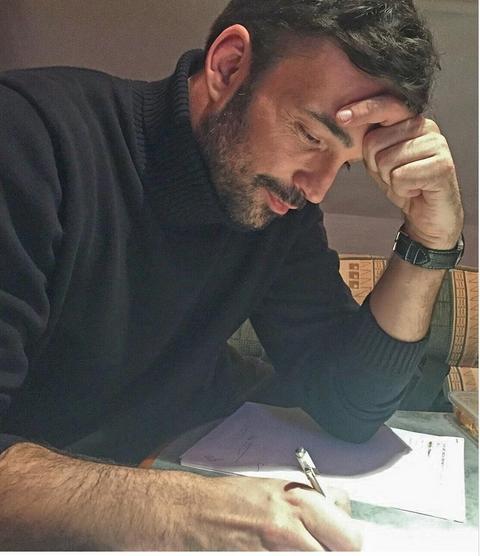 Bosiljčić dobio još jednu ponudu za film, a on stiže u Beograd da obraduje žene!