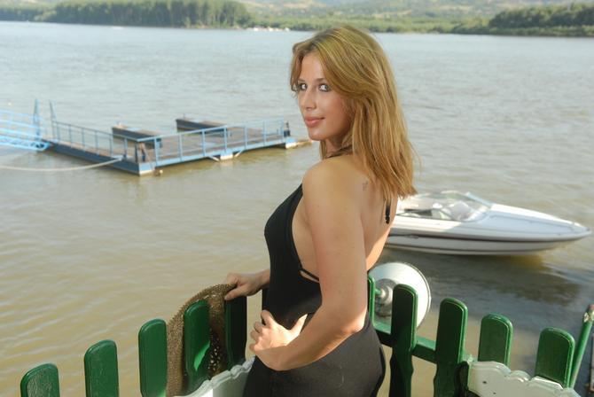 Ena Popov 2008. godine