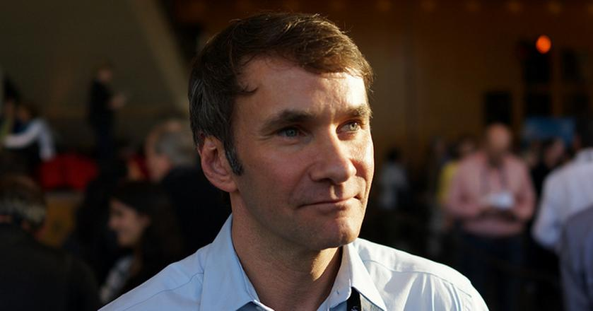 "Keith Ferrazzi, autor książki ""Never Eat Alone"""