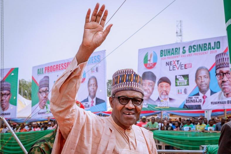 President Muhammadu Buhari's proceeded to a rally organized by his party the All Progressives Congress (APC) after the commissioning of the Zik's Mausoleum in Onitsha. [The News]