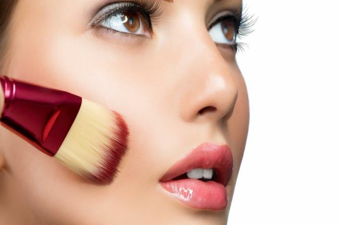 Da li nas šminka sa UV zaštitom zaista štiti? Eksperiment otkrio zabrinjavajuću istinu