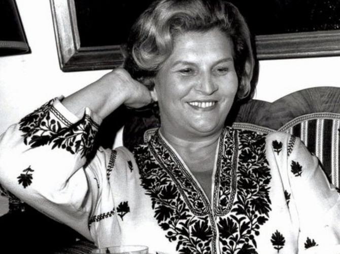 Otišla je pre 28 godina: Zvali su je Buldožer u bundi, a i danas njeno ime ODJEKUJE pozorištima u Srbiji!