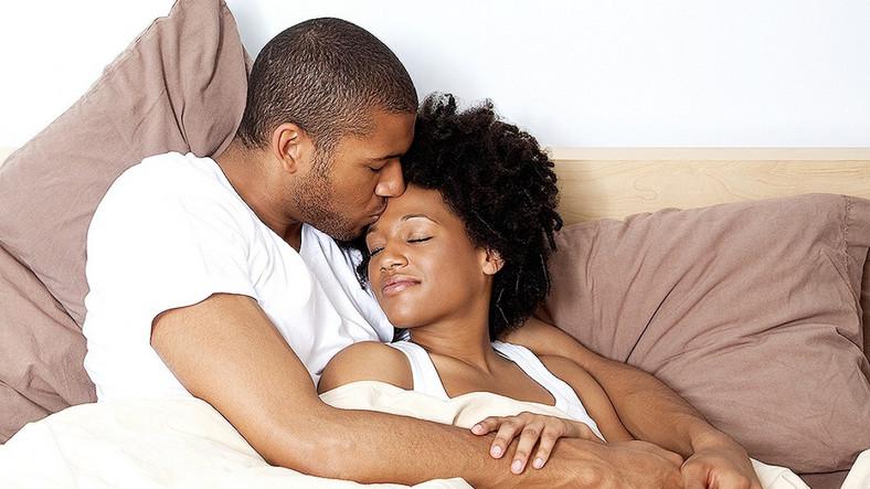 Couples cuddle [Credit Shakarasquare]