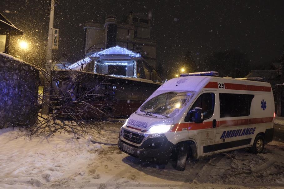 Saobraćajka ispred kuće Cece Ražnatović