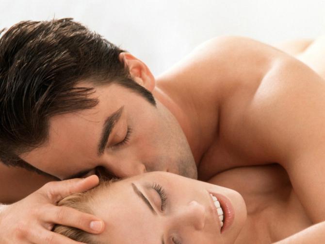 Muškarci otkrili: Kada pitaju sa koliko njih je spavala, OVAJ BROJ nikako ne žele da čuju!