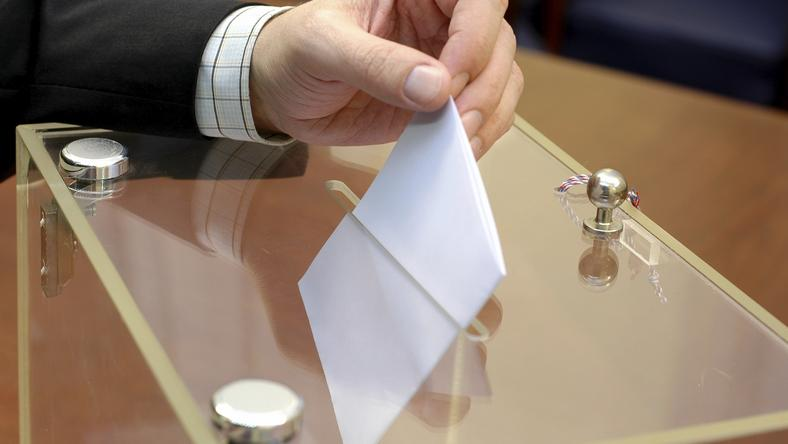 Państwowa Komisja Wyborcza miażdzy projekt zmian prawa wyborczego autorstwa PiS