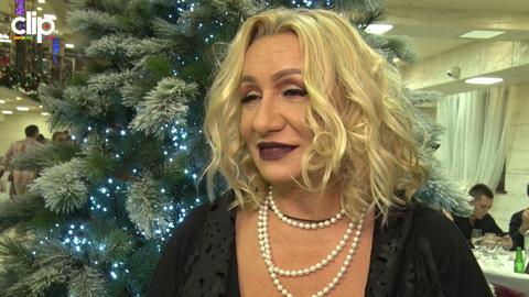Da li Vesna Zmijanac misli da je najlepša baka?