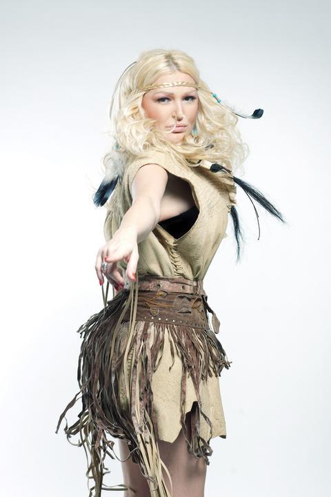Ovako izgleda LUKSUZNA VILA folk pevačice! VIDEO