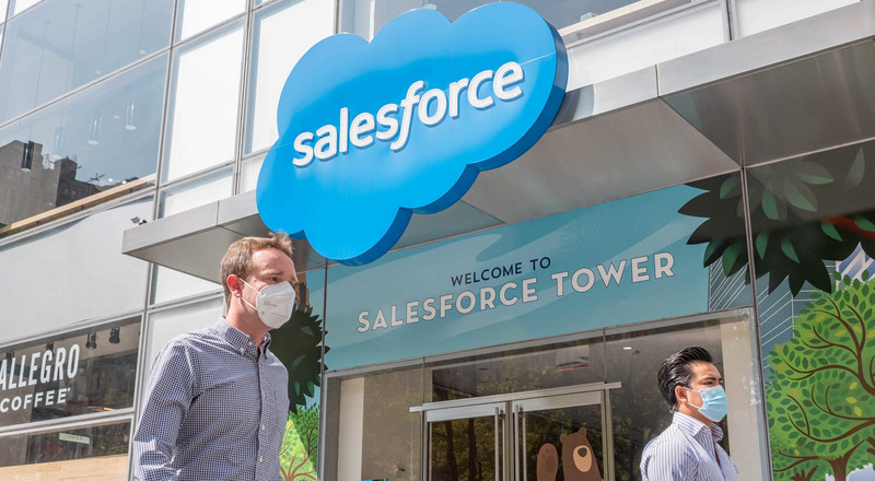 Salesforce invests $40 million in text-marketing startup Community