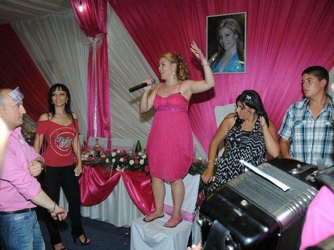 Hajdi iz Jagodine i njeno punoletstvo od 50.000 evra bilo je HIT U SRBIJI: Prošlo je 7 godina, a ona je danas NEPREPOZNATLJIVA