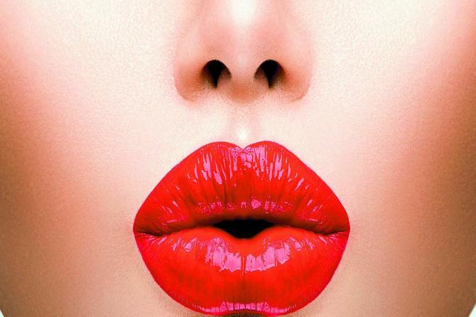 Saznajte: Zbog čega je trajna šminka lek za tanke usne!