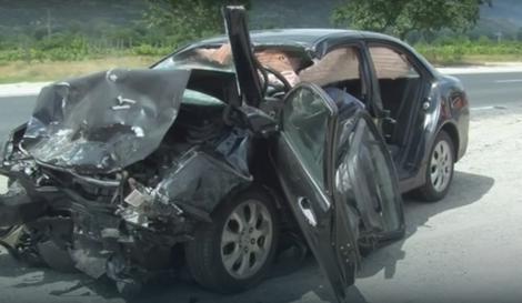 Automobil nakon stravičnog sudara u Bugarskoj